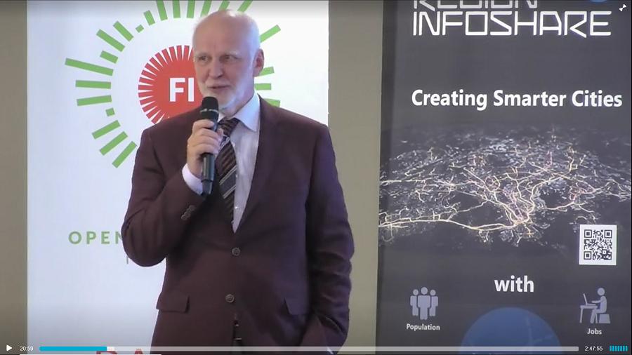 Antti Rainio puhumassa Avoin data Suomessa 10 vuotta -juhlatilaisuudessa.
