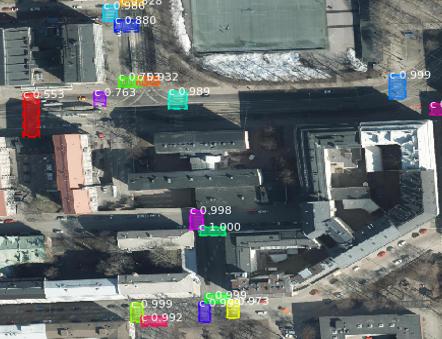 Helsingin ilmakuvaan eri väreillä merkittyjä suojateitä.